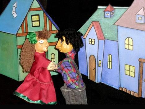 Juan-y-maria-en-la-calle-de-los-fantasmas