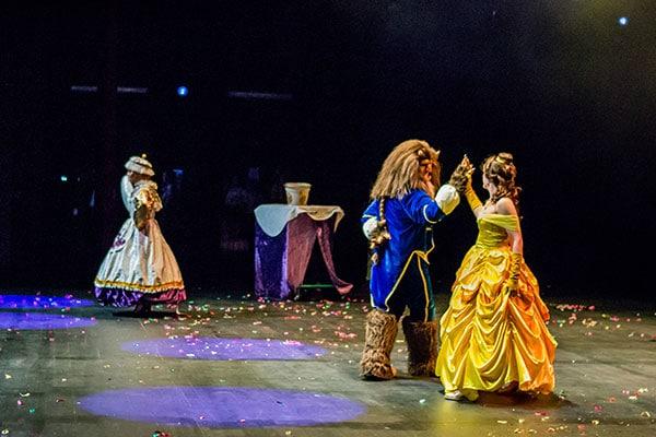 La-bella-y-la-bestia-el-musical