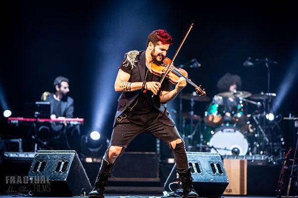 strad-el-pequeno-violinista-rebelde