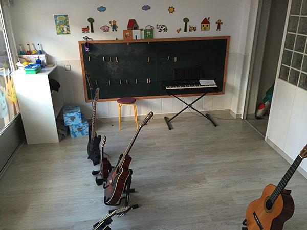 escuela-de-musica-tres-por-cuatro
